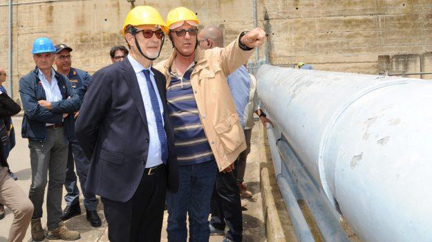 fondi dighe sicilia, Sicilia, Politica