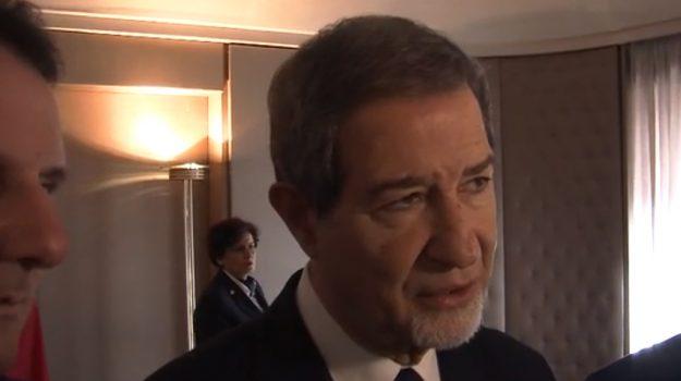dirigenti sicilia, musumeci dirigenti sicilia, taglio dirigenti sicilia, Nello Musumeci, Palermo, Politica