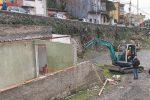 Opere abusive al torrente Bordonaro, ok alla prima demolizione a Messina