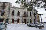 Maltempo, torna a nevicare in Sicilia: scuole chiuse a Petralia Soprana e Troina