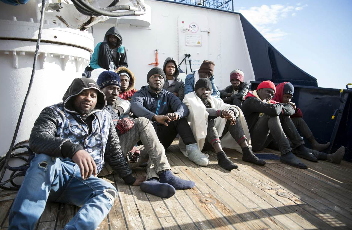 Sea Watch, tregua nel governo Vince Conte: migranti in Italia