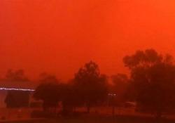 Una tempesta di sabbia ha trasformato l'entroterra australiano in un paesaggio marziano