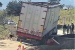 Buca pericolosa nel tratto Nicosia-Mistretta, camion sprofonda: traffico bloccato per ore