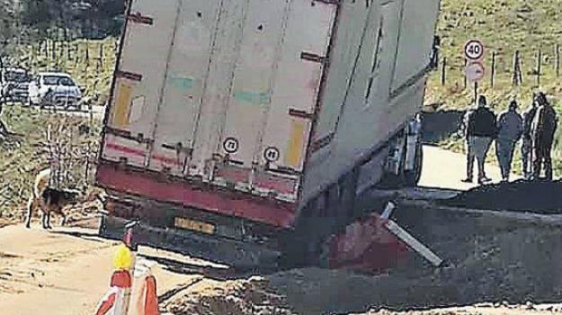 buca nicosia mistretta, incidente camion, Enna, Cronaca
