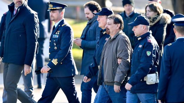 arresto Battisti, cattura cesare battisti, Cesare Battisti, Giuseppe Conte, Sicilia, Cronaca