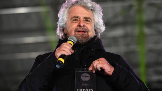 m5s, razzismo, Beppe Grillo, Sicilia, Politica