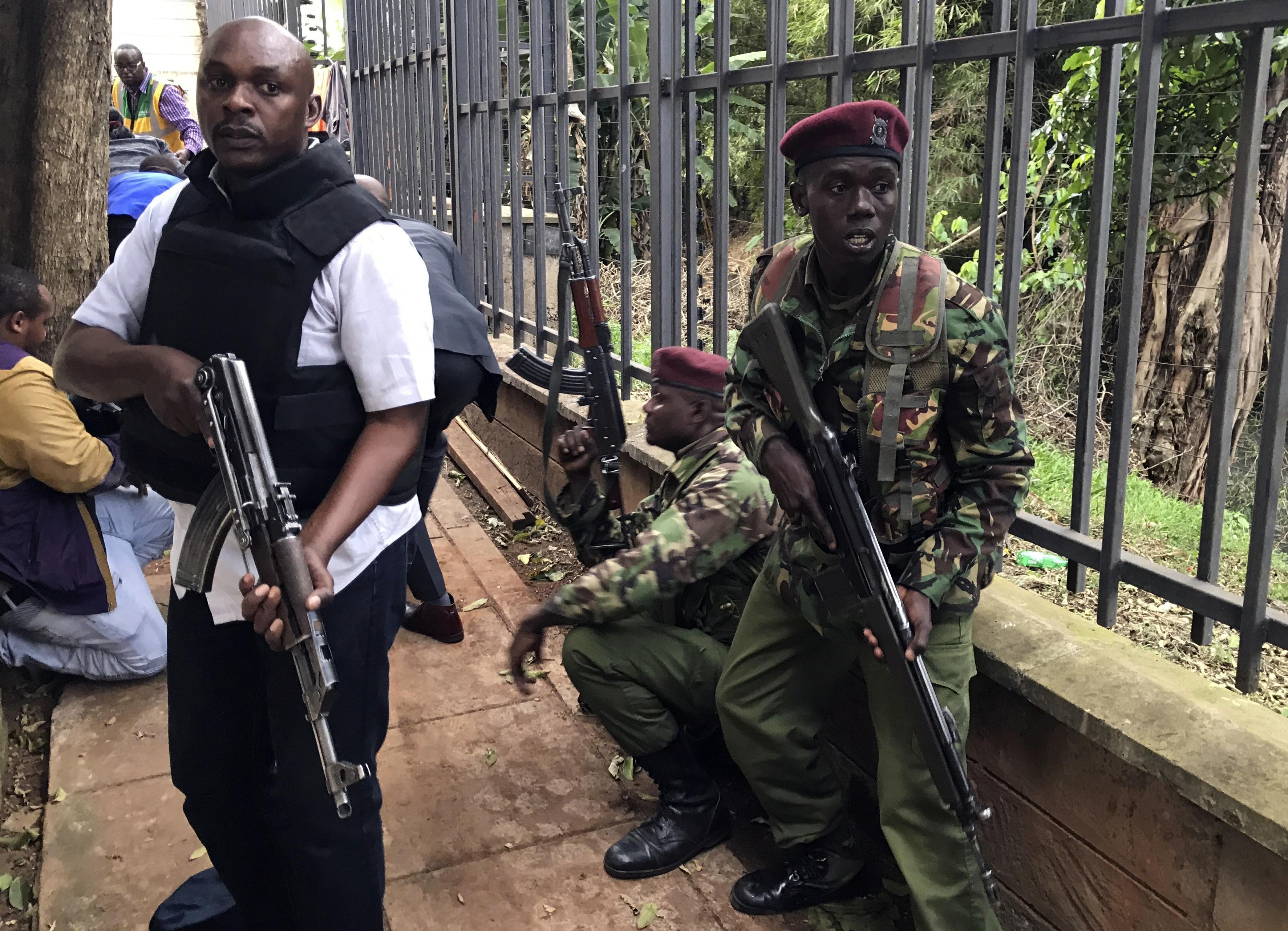 Nairobi, uccisi tutti i terroristi: 15 morti. L'obiettivo erano i cittadini Usa