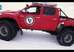 Le gomme più da neve che esistano: il test La gomma Nokian Hakkapeliitta 44 pesa 70 chili e ha un diametro superiore a un metro. È nato lo scorso anno dalla collaborazione tra Nokian  e Arctic Trucks  - Corriere Tv