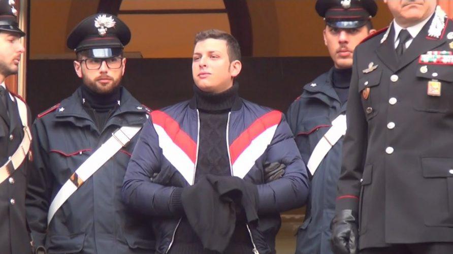 Leandro Greco all'uscita dalla caserma Carini