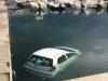 Un'auto finisce in acqua nel porticciolo di San Nicola l'Arena: il video
