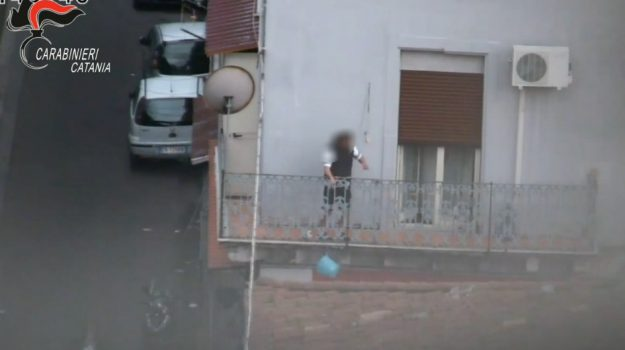 arresti catania, blitz antidroga, Catania, Cronaca
