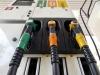 Aumentano i prezzi della benzina, in autostrada rincari fino a 2 euro al litro