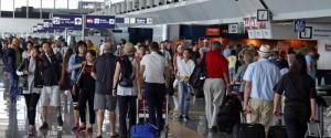 Turisti all'aeroporto di Fiumicino
