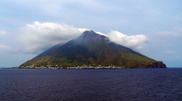 Stromboli, vulcano, Messina, Cronaca