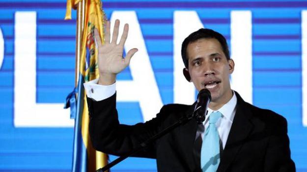caos venezuela, Juan Guaidó, Sicilia, Mondo