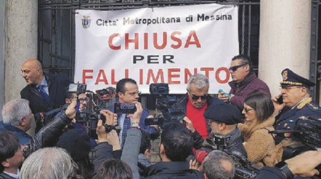 ex pronvia messina dissesto, Cateno De Luca, Messina, Cronaca