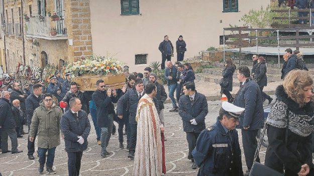 pietraperzia funerali alex bonura, Alex Bonura, Enna, Cronaca
