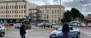 Palermo, parcheggiatori abusivi bloccano la circolazione: in 2 sanzionati e allontanati