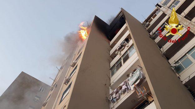 incendio appartamento catania, incendio palazzo catania, Catania, Cronaca