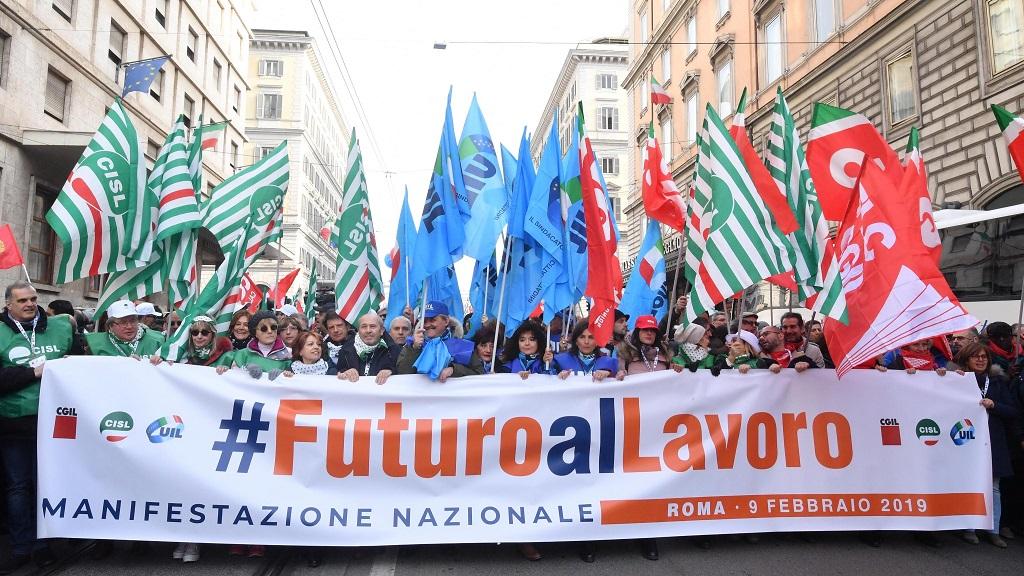 Sindacati uniti in piazza a Roma: in centinaia da Sondrio VIDEO