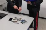 Nasconde hashish nel vano della batteria dello scooter, arrestato a Melilli