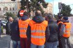 Finanziaria, Forestali e dipendenti Esa in piazza per protestare contro i tagli