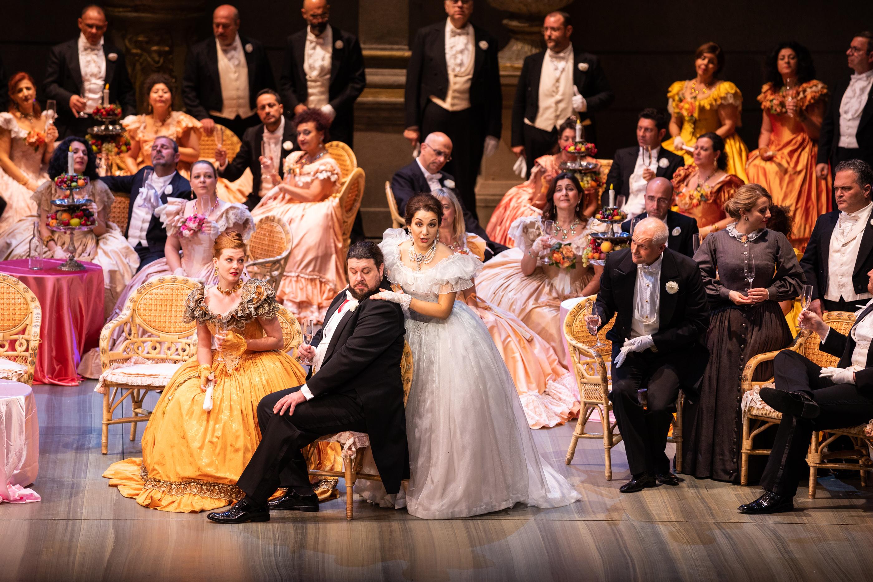 Teatro Di Verdura Calendario 2020.La Traviata Del Teatro Massimo In Oman Le Foto Di Un