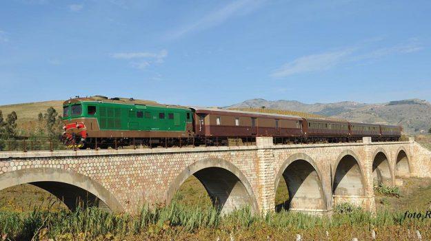 Mandorlo in Fiore Agrigento, treno mandorlo in fiore, Agrigento, Cultura