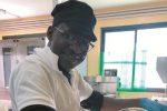Modica, richiesta d'asilo negata per un pasticciere senegalese: la città si mobilita per Abdoullai