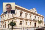 Il Comune di Melilli e nel riquadro il sindaco Giuseppe Carta