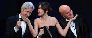Parte Sanremo, emozione Bocelli. Sfilano i big: la classifica parziale