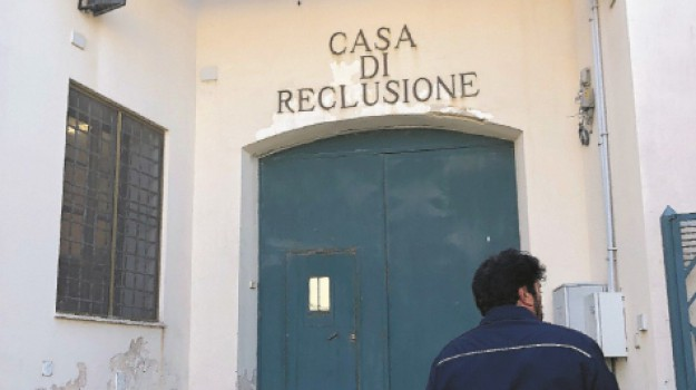 carcere, favignana, Trapani, Cronaca