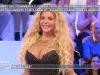 Francesca Cipriani seminuda a Pomeriggio 5: la showgirl entra in perizoma e pareo