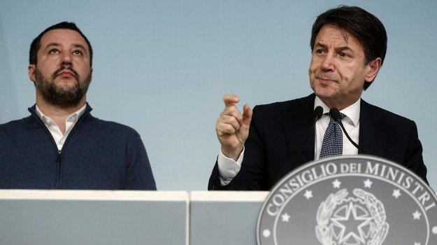 decreto sicurezza, scontro, Giuseppe Conte, Matteo Salvini, Sicilia, Politica