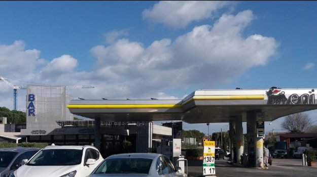 rapina distributore di benzina bonagia, rapina distributore di benzina palermo, Palermo, Cronaca