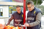 Pedara, sequestrati 400 chili di arance non tracciabili a un venditore ambulante