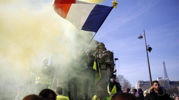 black bloc, francia, gilet gialli, proteste, Sicilia, Mondo