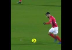 Il gol più bello dell'ultima giornata di Ligue 1 arriva da Téji Savanier del Nimes