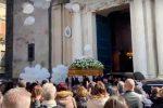 Uccisi dall'onda assassina ad Acireale, lacrime e dolore ai funerali di Margherita e Lorenzo