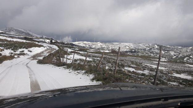 """Maltempo, Protezione Civile: """"Anche domani forti venti al Centro-Sud e gelo"""""""
