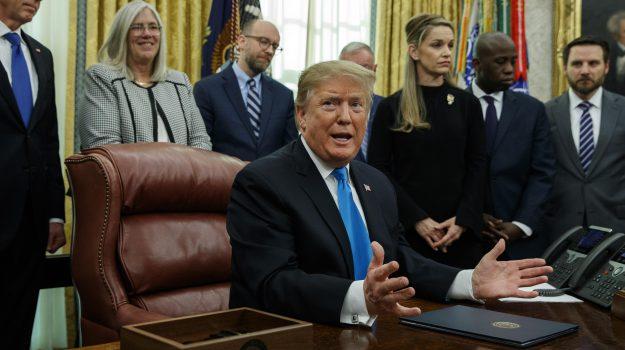 russiagate, Trump contro 007, USA, Daniel Coats, Donald Trump, Sicilia, Mondo