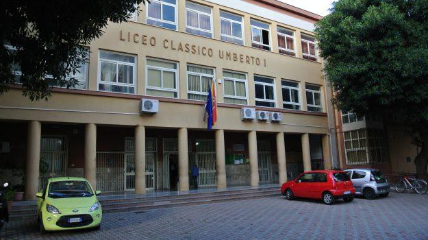 carabinieri umberto, droga scuola, Palermo, Cronaca