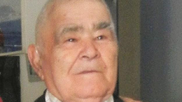 anziano bruciato a Siracusa, Pippo Scarso, Siracusa, Cronaca
