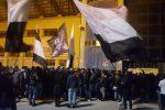 Il Palermo vince a Perugia, la festa dei tifosi allo stadio al ritorno dei rosanero