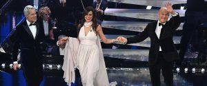 Eleganza in apertura della terza serata di Sanremo