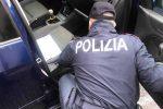 Sorpreso a rovistare in un'auto parcheggiata a Messina: arrestato