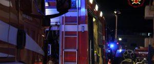 Paura a Monreale, scoppia un incendio in un palazzo: intossicata una persona