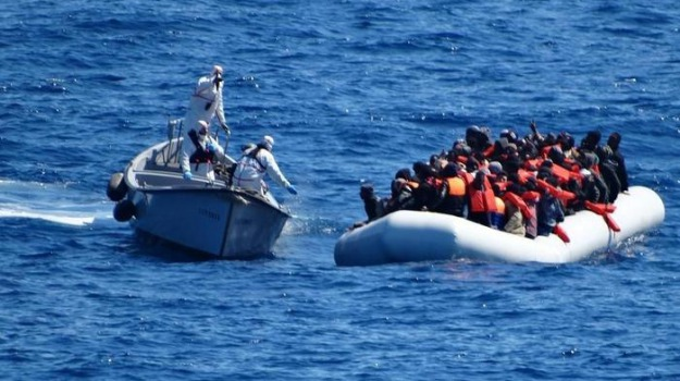 marina militare, migranti, Sea Watch, Sicilia, Mondo