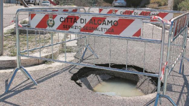 via Autonomia Siciliana, via Porta Palermo, voragine ad Alcamo, Trapani, Cronaca