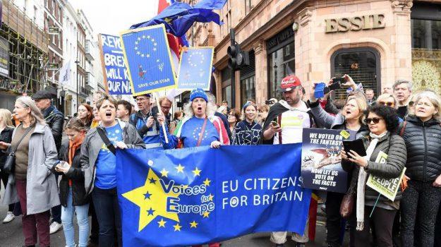 brexit, londra, Theresa May, Sicilia, Mondo
